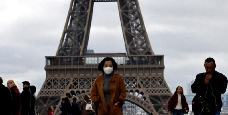 Francia multará con 135 euros a quien no use cubrebocas en Paris y departamentos colindantes a partir del viernes
