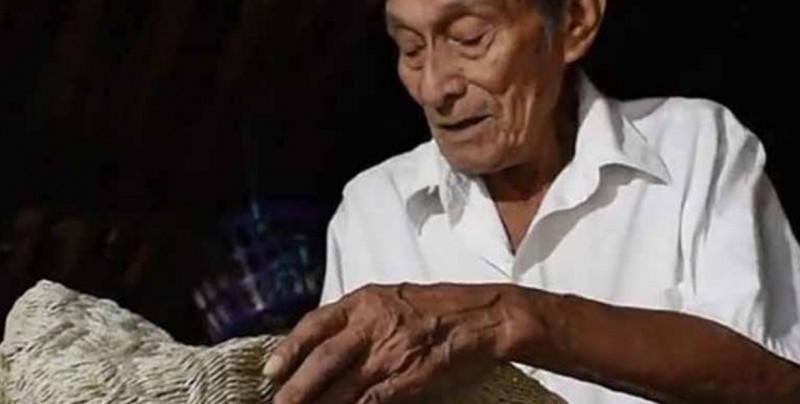 A los 112 años, fallece el Guardian de la biblia de los secretos y profecías mayas