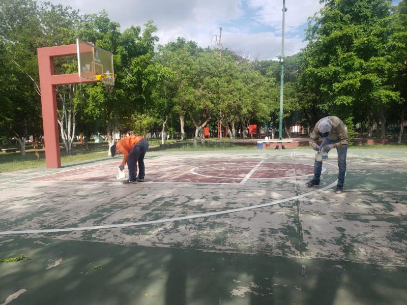IMDEC trabaja en mejoras de canchas deportivas en Culiacán