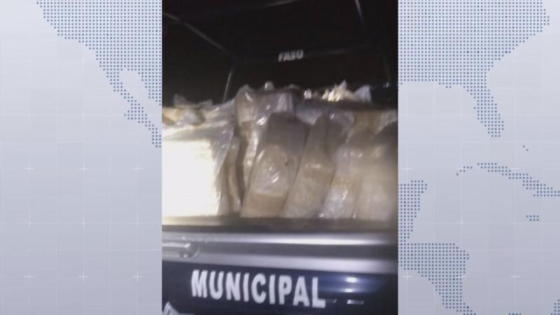 Policías de  Culiacán aseguran  2 mil 630 kilos de marihuana