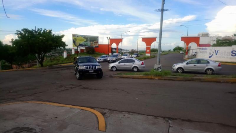 Crucero peligroso en Lomas de San Isidro