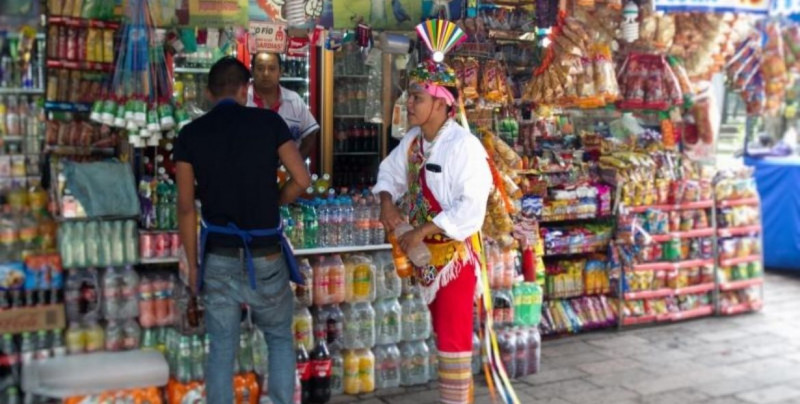 Morena propone subir en 400% el impuesto a refrescos: de 1.2 a 5 pesos por litro