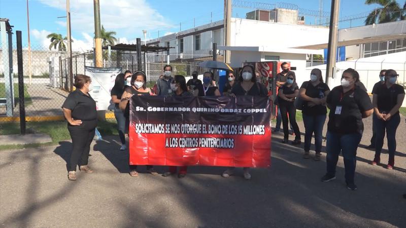 Gobierno del Estado atenderá las necesidades de los trabajadores penitenciarios y del HPS