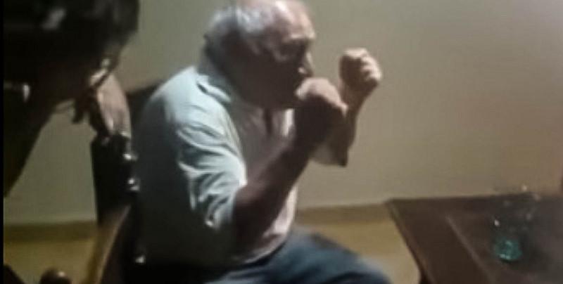 Video: abuelo llora de felicidad al enterarse que su nieto se graduó como abogado