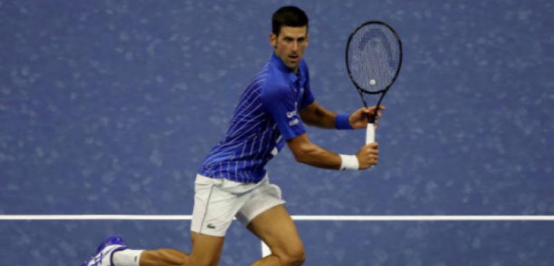 Novak Djokovic fue descalificado del US Open por golpear a juez