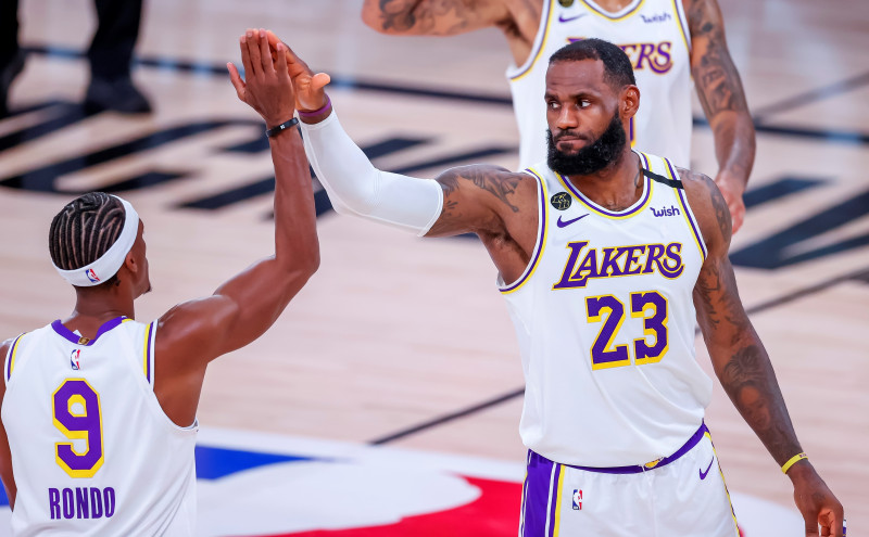 Los Lakers se impusieron a los Rockets
