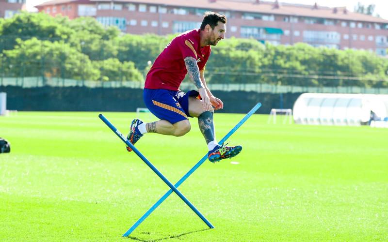 Lionel Messi entrena en día de descanso
