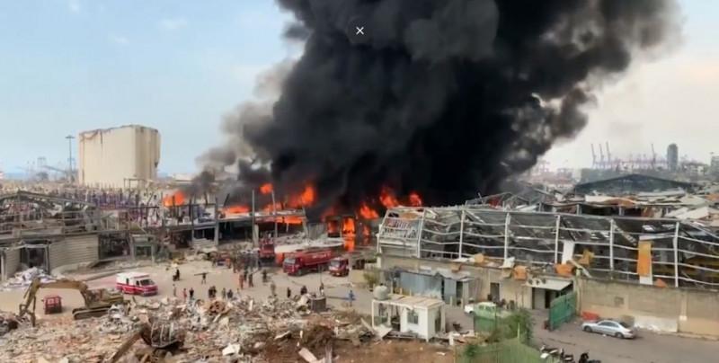 Video: Beirut sufre un gran incendio a un mes de la explosión que les causó 191 muertes