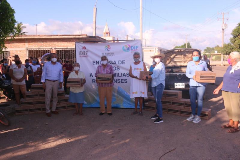 Entregan despensas en comunidades de Rosario