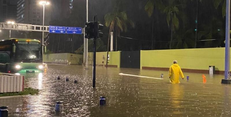 Así se inundó Mazatlán con las lluvias de este viernes