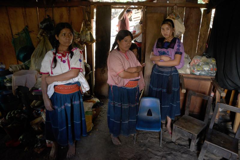 Conflicto armado y COVID arrebatan la educación de niños indígenas