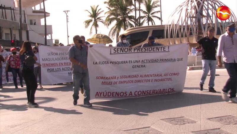 Retoman protestas pescadores en Mazatlán