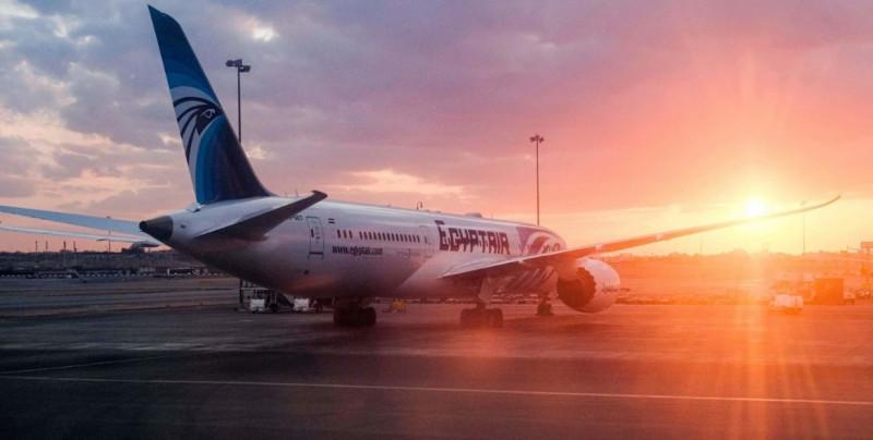 Bebé nace en pleno vuelo y la aerolínea le regala viajes gratis de por vida