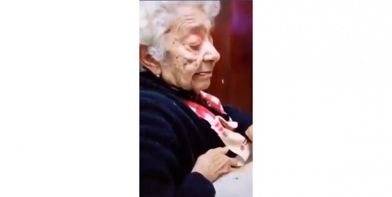 """""""Me vale m..."""": reacción de abuelita al ver el nuevo etiquetado se vuelve viral"""