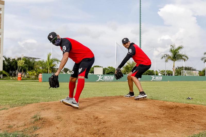 El lanzador Ivan Zavala reporta con Venados