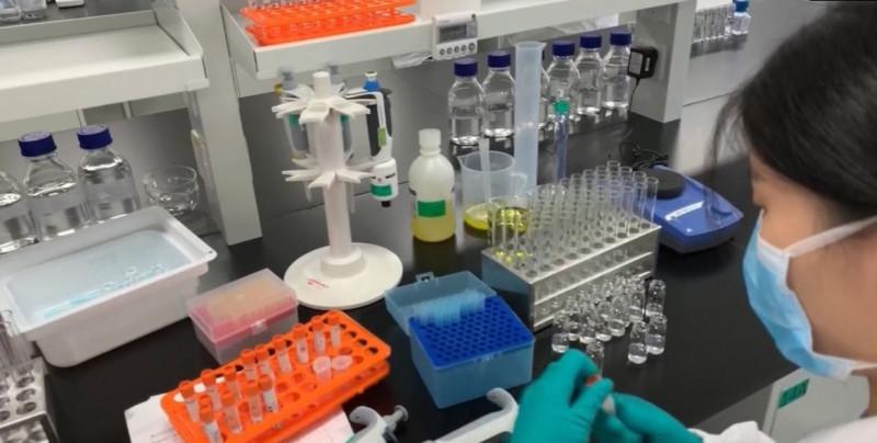 China prevé fabricar 610 millones de dosis de vacunas de Covid-19 en 2020 y mil millones en 2021