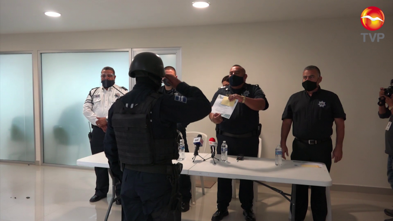 Reconocen labor de 23 policías