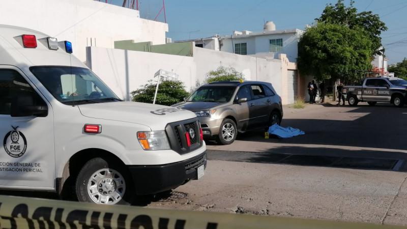 Asesinan a jefe de delegacional de personal del IMSS al salir de su domicilio