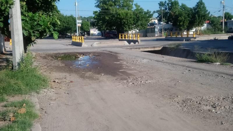 En mal estado la calle Belisario Domínguez en Chulavista