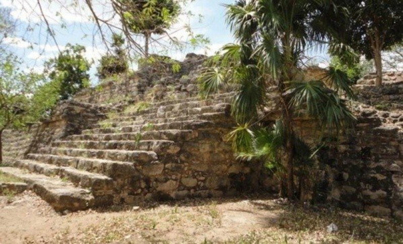 Descubren seis pirámides mayas