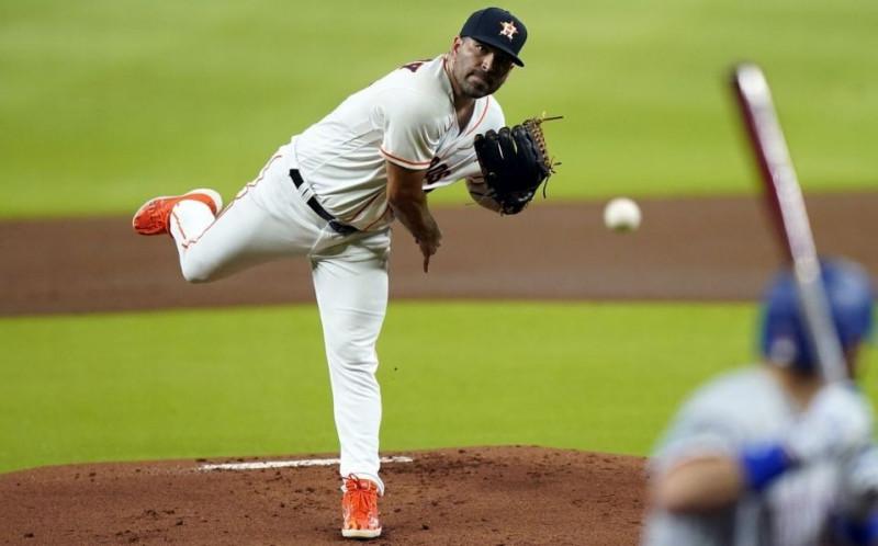 José Urquidy lanzara hoy para los Astros de Houston