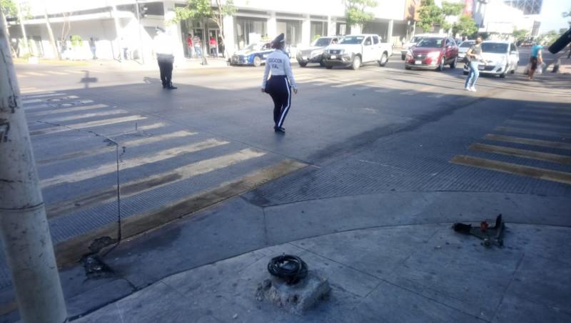 Sin semáforos sobre la obregón esquina con Hidalgo