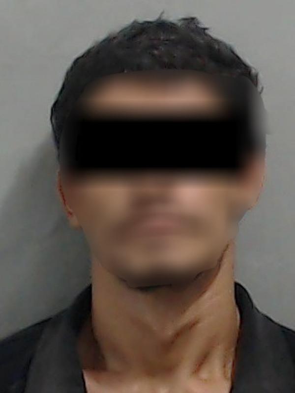 Detienen a hombre acusado de asaltar farmacia