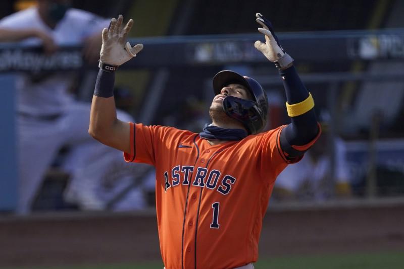 Los Astros pegan primero