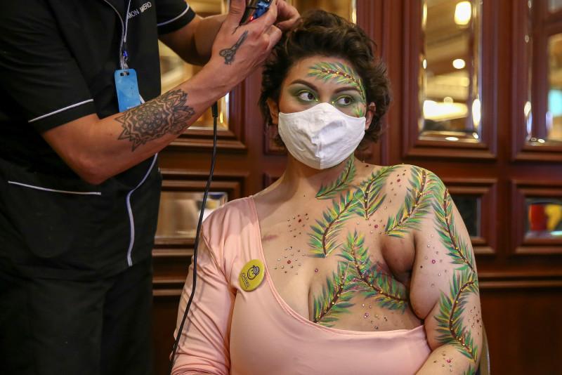"""""""Cicatrices de Honor"""", la lucha contra el cáncer de mama"""