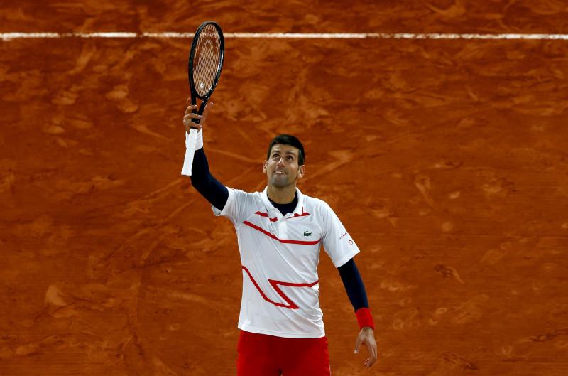 Djokovic se mete a semifinales de Roland Garros