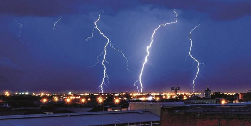 """CONAGUA pronostica """"descargas eléctricas"""" para el centro y sur de Sinaloa esta tarde-noche"""