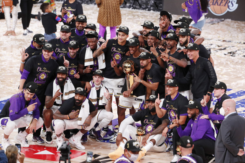 Los Lakers se coronan campeones