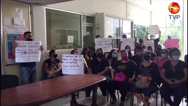 Protestan docentes de tiempo completo