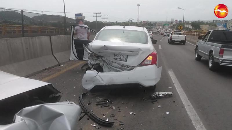 Se registra choque en el paso vehicular de El Conchi