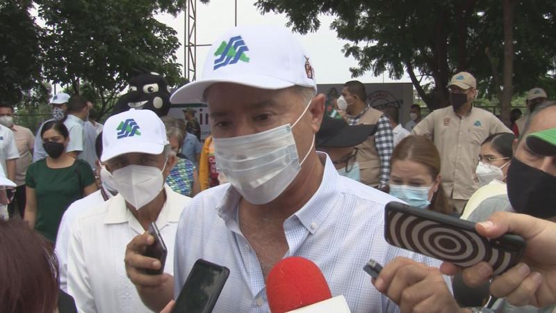 No habrá despidos por desaparición de áreas de gobierno: Quirino Ordaz