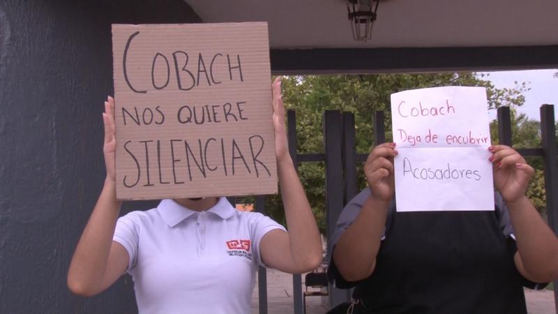 Estudiantes se manifiestan por acoso en COBACH