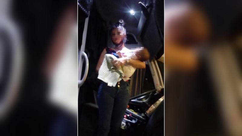 La mantuvieron secuestrada y escapo con apoyo de la central de autobuses.