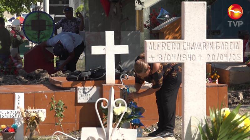 Hay posibilidades de abrir panteones el Día de Muertos en Mazatlán