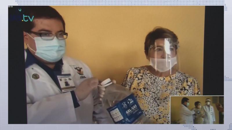 Sigue la UAS entregando gel antibacterial