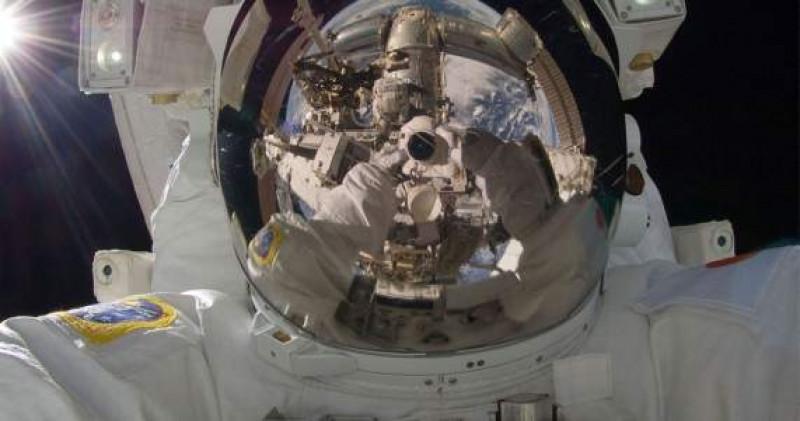 Idean cámara para tomar primer selfie de llegada a la luna en 2024