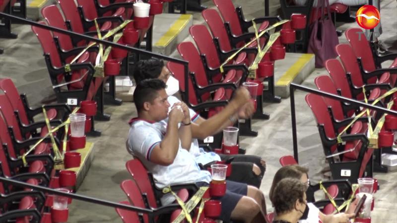 Regularán el consumo de alcohol en estadios de Mazatlán