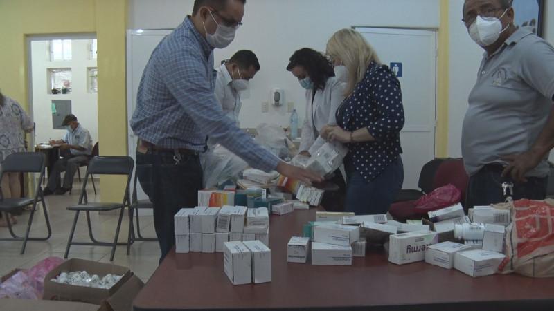 Donan medicinas para diabetes e hipertensión a trabajadores del ayuntamiento