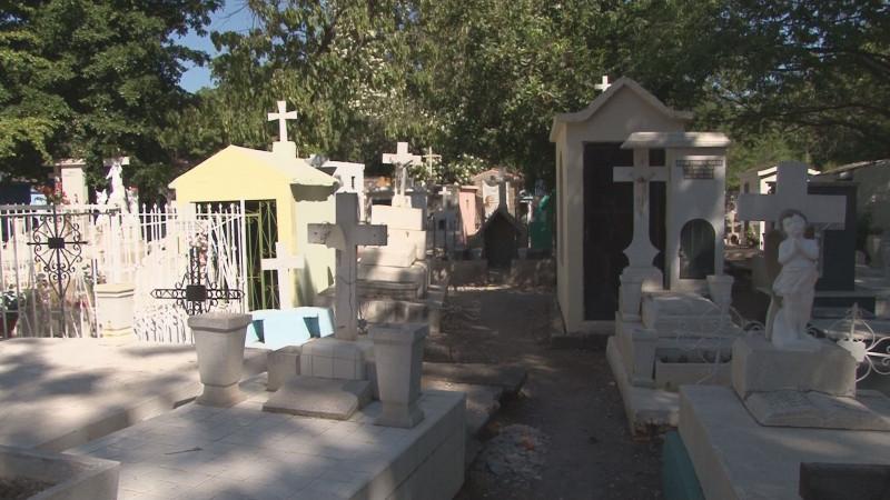 Adelantan visitas a los panteones de Culiacán