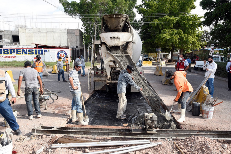 Entrega Comun obra de reposición de losas de concreto en calle Belisario Domínguez