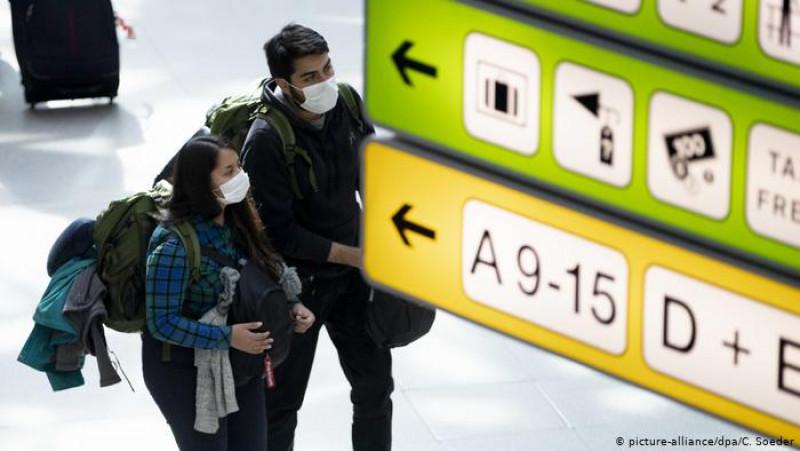 OMS recomienda limitar cuarentenas y otras medidas a viajeros internacionales