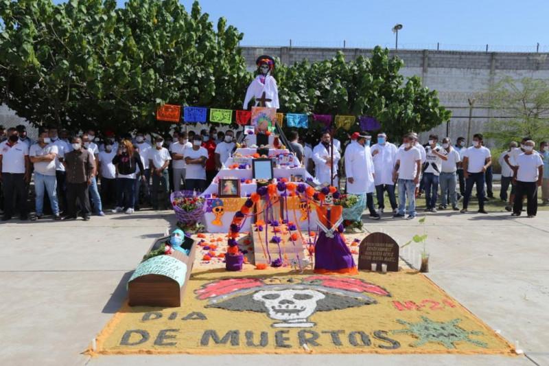 Realizan exposición de altares de muertos al interior del Penal de Aguarut