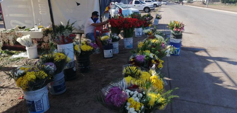 Reportan bajas ventas Floristas en Ahome