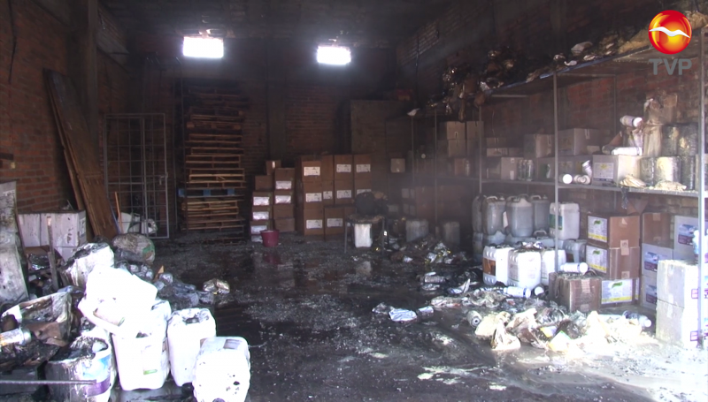 Incendio consume bodega de fertilizantes en Villa Unión