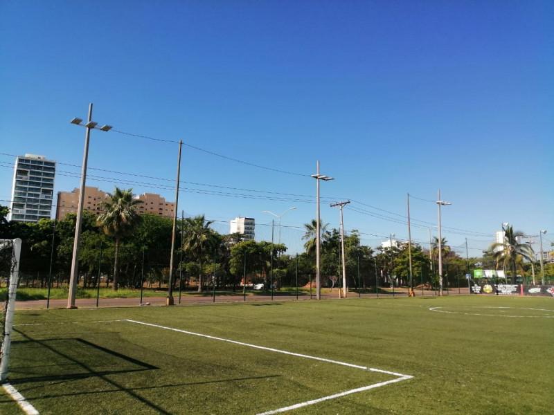 Iluminan cancha futbol del Kilómetro Cero