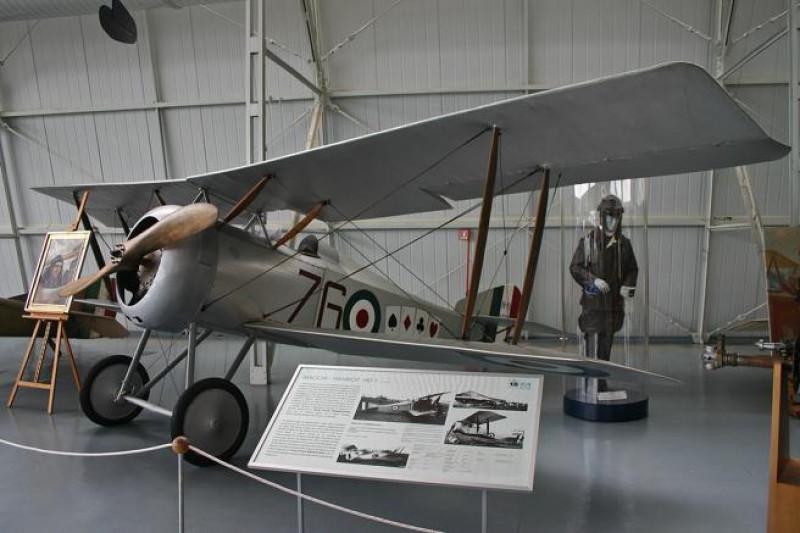 Cuenca conmemora el centenario del primer vuelo transandino